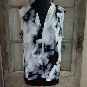Tahari Tops - NWT Tahari blouse vest medium cream black floral